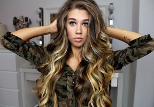 Latest curly hair styles for girls in winter